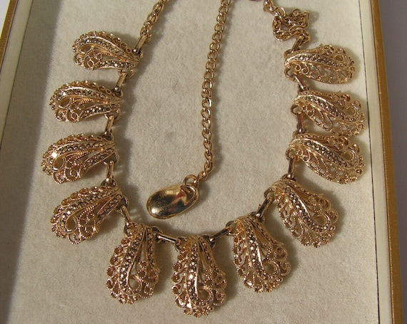 Lovely vintage filigree goldtone gold marcasite droplet necklace