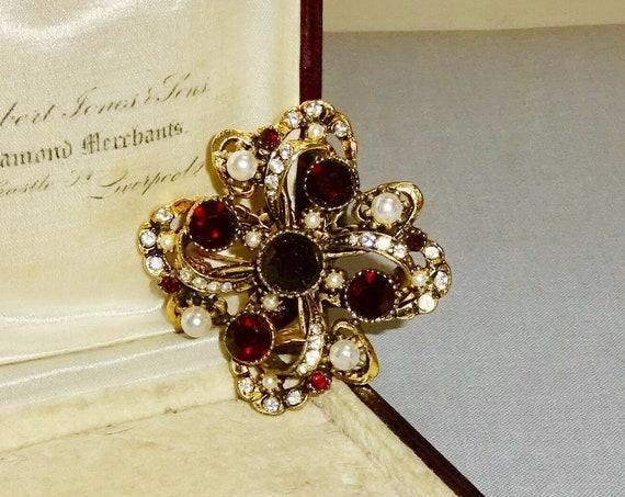 Beautiful vintage quality goldtone dark garnet rhinestone seed pearl brooch