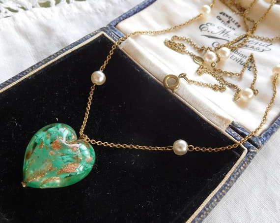 Stunning Vintage 1950s Venetian Green Glass heart pendant Necklace with pearls