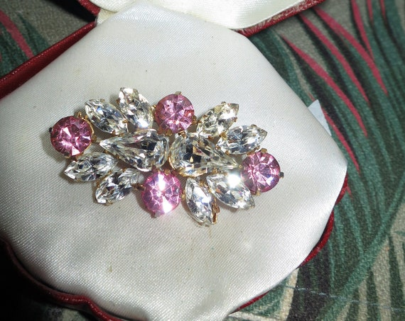 Beautiful vintage goldtone pink and clear mirror glass foil back brooch
