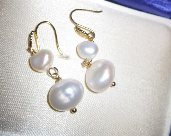 Beautiful 18 ct gold filled dangle freshwater pearl dangle earrings