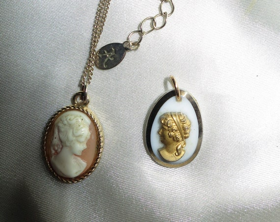 2 Beautiful vintage resin and glass cameo pendants and necklace