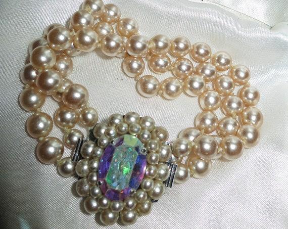 Fabulous vintage Hollywood glamour 3 strand fx pearl diamante bracelet