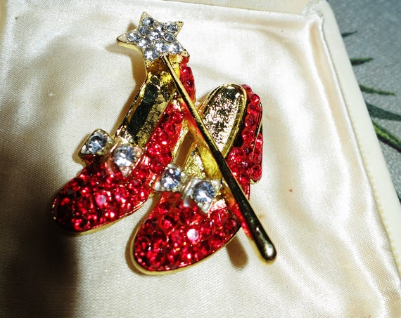 Gorgeous Vintage sparkly goldtone red rhinestone Wizard of Oz Dorothy shoes and wand brooch