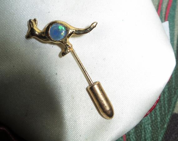 Charming  vintage goldtone genuine opal kangaroo pin brooch