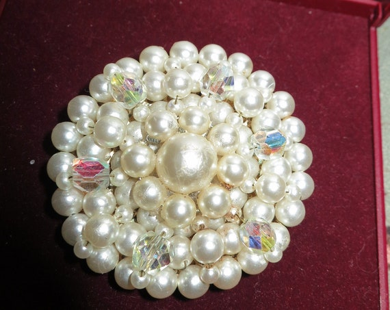 Vintage large glamour Faux Pearl and crystal Beaded Circle Brooch