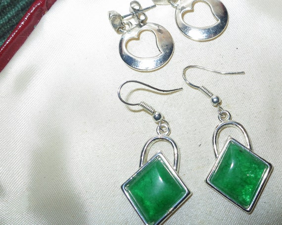 Very lovely vintage pair of silvertone opal green glass and cut out heart hearrings