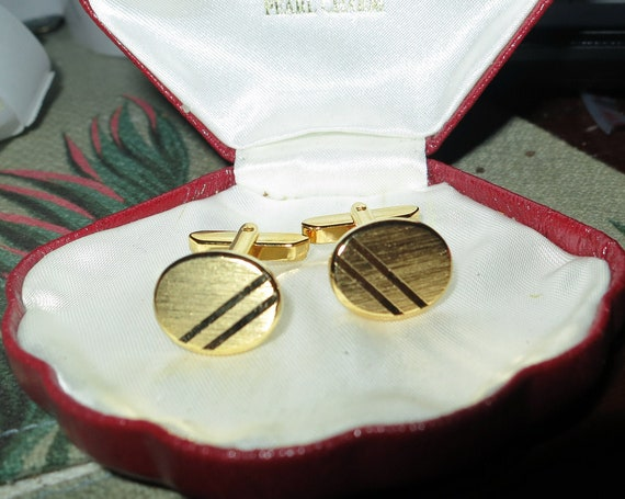 Lovely pair of vintage Goldplated diagonal stripe Oval cufflinks