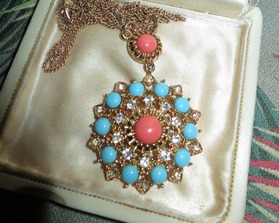 Lovely vintage signed RJ Graziano coral and turquoise  glass necklace