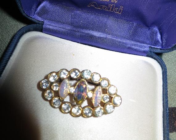 Beautiful vintage Edwardian rhinestone opal glass brooch