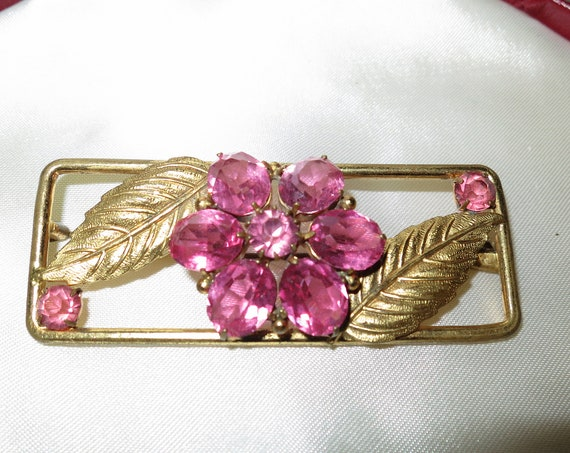 Antique Gold Gilt Sparkling Pink Cut Glass Floral Nouveau Design Brooch