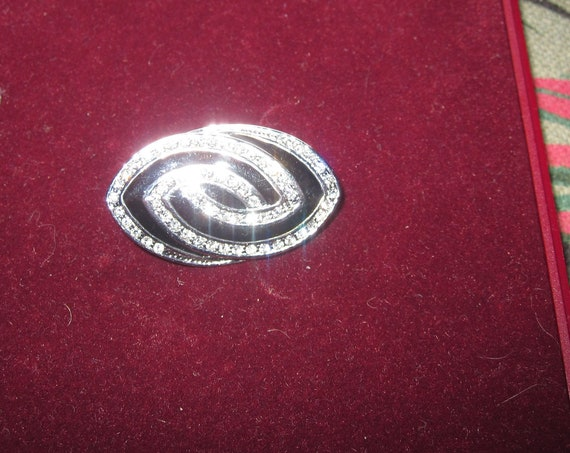 Lovely vintage Silvertone Art Deco Style Crystal Black Enamel brooch
