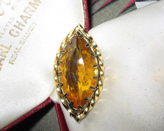 Beautiful Vintage Small  Amber Glass Stone Barley Twist Brooch