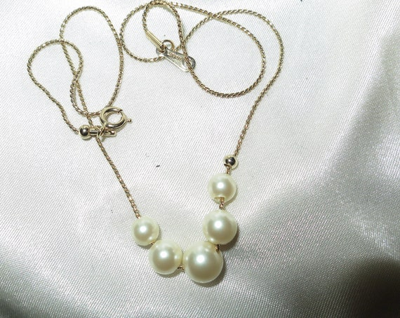 Vintage 80s goldtone fx pearl slider necklace 15.5 inches