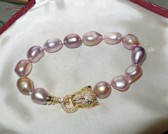 Lovely genuine 12-13mm high lustre baroque pink lilac pearl bracelet gold plated panther clasp