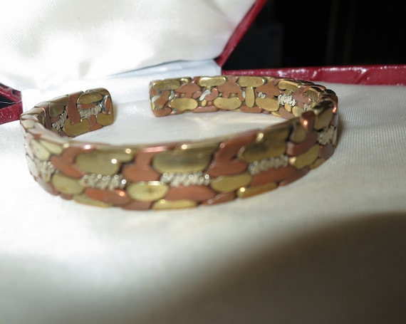 Beautiful Vintage brass and  copper metal clamper bangle bracelet