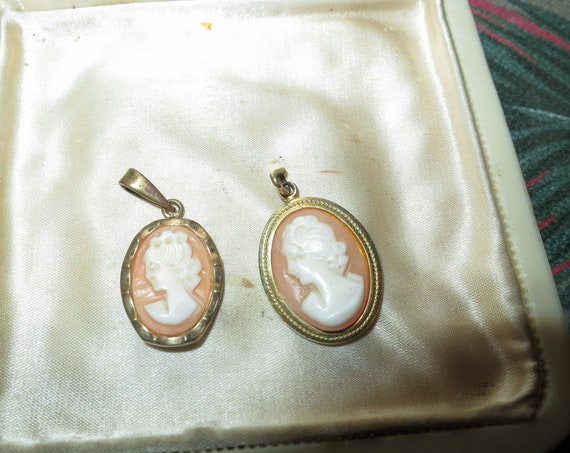 2 Lovely vintage cameo carved shell and glass  pendants