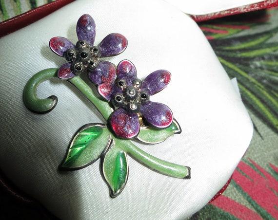 Lovely vintage  purple and  green enamel  flower brooch