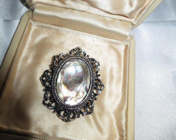 Lovely vintage silvertone abalone paua shell brooch or pendant