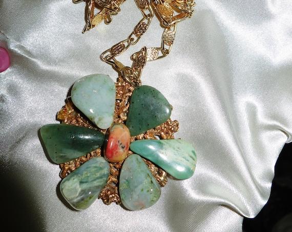 Large vintage Scottish gold metal & agate flower design pendant necklace