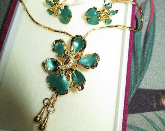 Quality vintage gold metal green enamel flower slider necklace and stud earrings