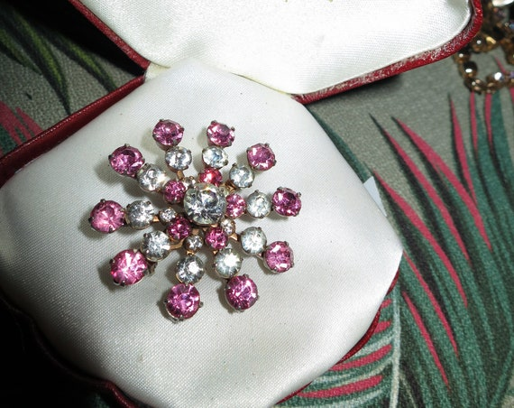 Lovely Vintage pink and clear glass rhinestone starburst brooch