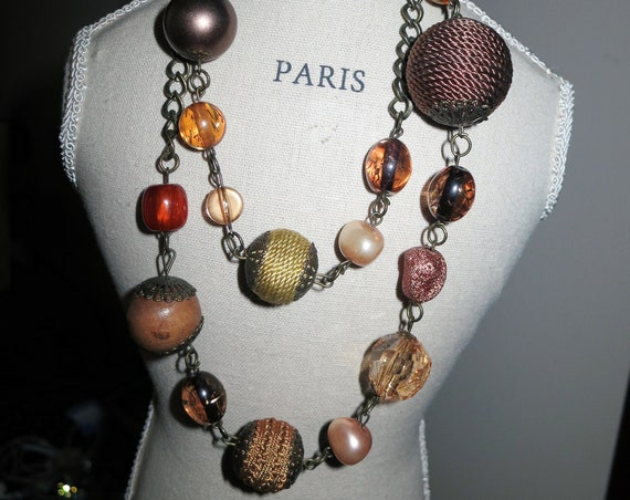 Lovely vintage chunky necklace with rope beads and acrylic stones 32""