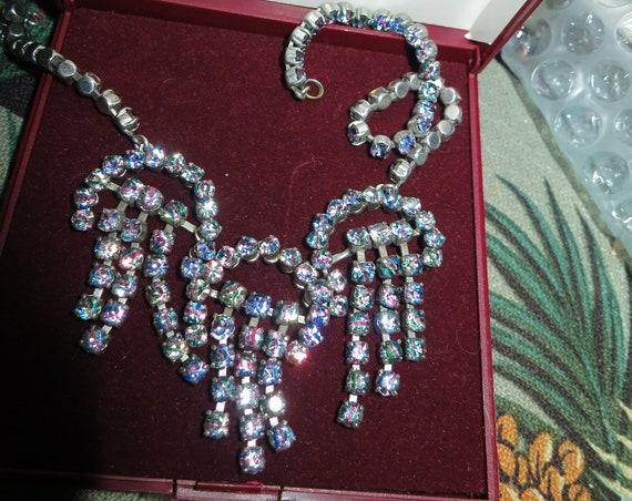Lovely vintage silvertone rainbow rhinestone (iris glass) fringe necklace