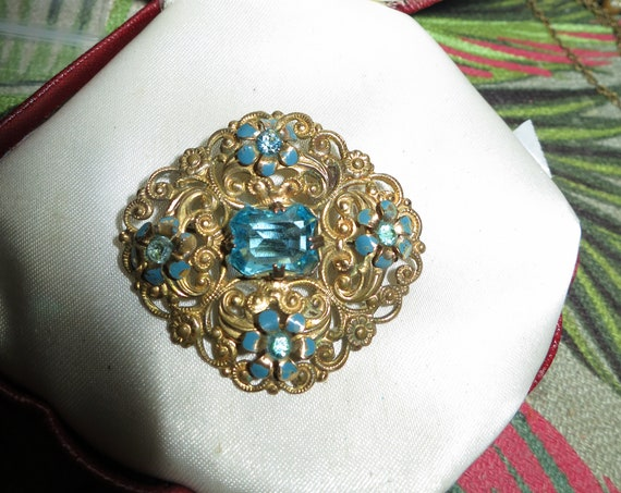 Vintage Deco Czech turquoise glass ornate goldtone brooch