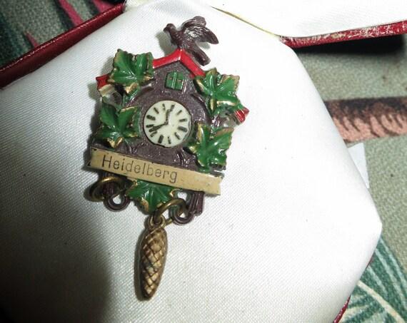 Beautiful vintage Heidelberg old cuckoo clock plastic brooch