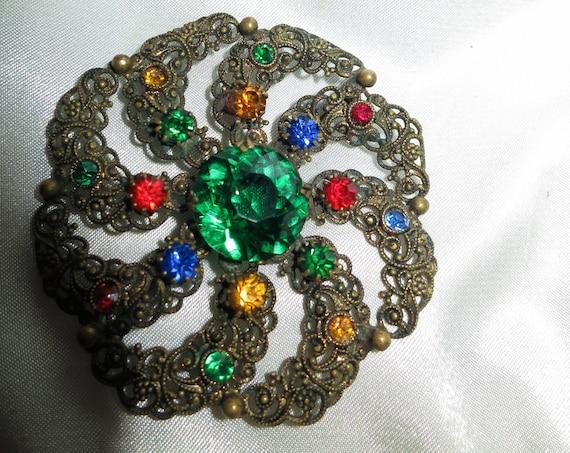 Vintage gold metal green emerald rhinestone Czech brooch 1940s
