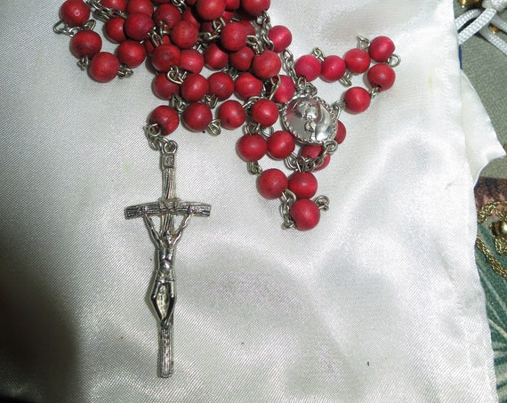 Beautiful vintage silvertone  religious coral red wooden beaded rosary