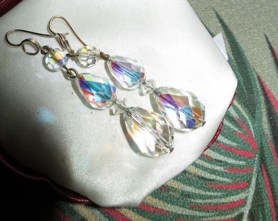 Beautiful Vintage Goldtone Faceted Aurora Borealis Crystal Drop earrings