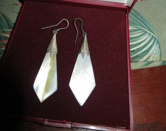 Beautiful vintage Art Deco sterling silver mother of pearl earrings