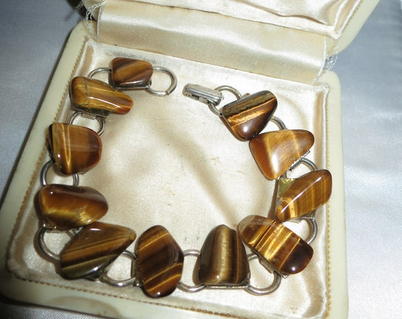 Lovely vintage goldtone set of Tiger's Eye brooch and bracelet