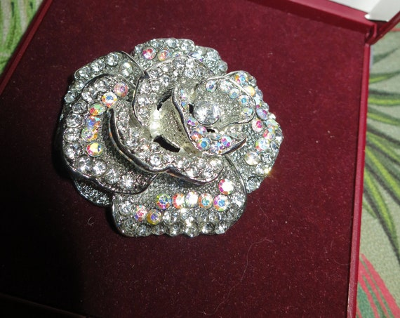 Lovely Vintage Silvertone Large Aurora Borealis Crystal Rose  brooch