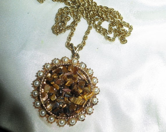 Wonderful vintage signed Exquisite seed pearl tigers eye chip necklace