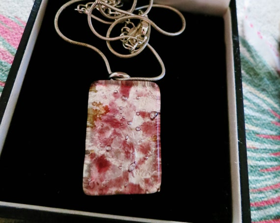 Charming vintage silvertone Murano pink silver foiled glass necklace