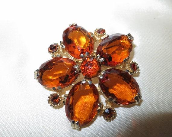 Wonderful vintage goldtone large faceted amber glass flower brooch