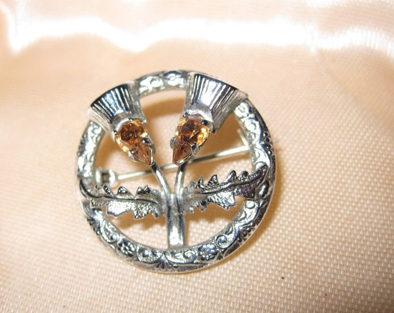 Lovely vintage Mizpah Scottish celtic amber glass thistle brooch