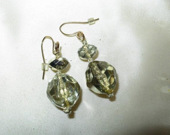 Lovely vintage silvertone fx aurora borealis crystal dropper earrings