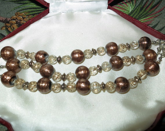 Lovely vintage 3 strand adventurine glass bracelet