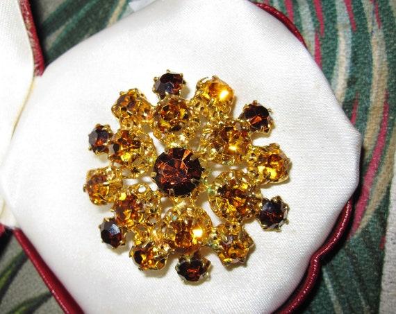 Beautiful  Vintage Amber Topaz  Glass Stone Flower  Brooch