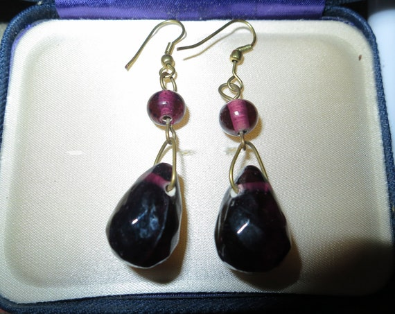 Beautiful vintage faceted black and purple glass dropper earrings
