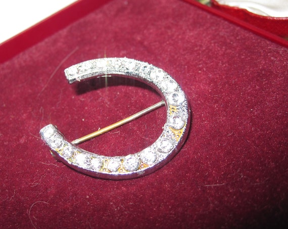 Lovely vintage Art Deco glass diamante lucky horseshoe brooch
