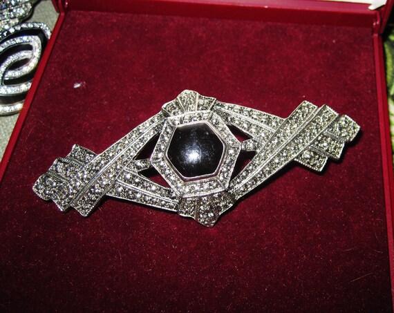 Lovely vintage  Silvertone Faux Marcasite & Black  Enamel Deco   brooch