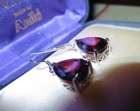 Lovely 18 ct white gold plated dark red sapphire crystal drop earrings