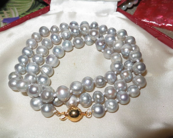 Lovely genuine 7mm silver grey cultured pearl necklace 25 inches