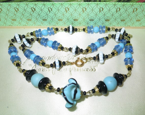 Lovely vintage blue and black art glass necklace 17.5 inches