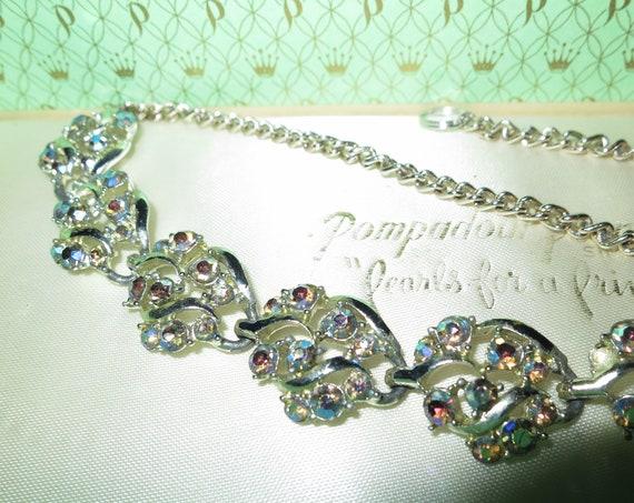 Lovely vintage   aurora borealis rhinestone necklace